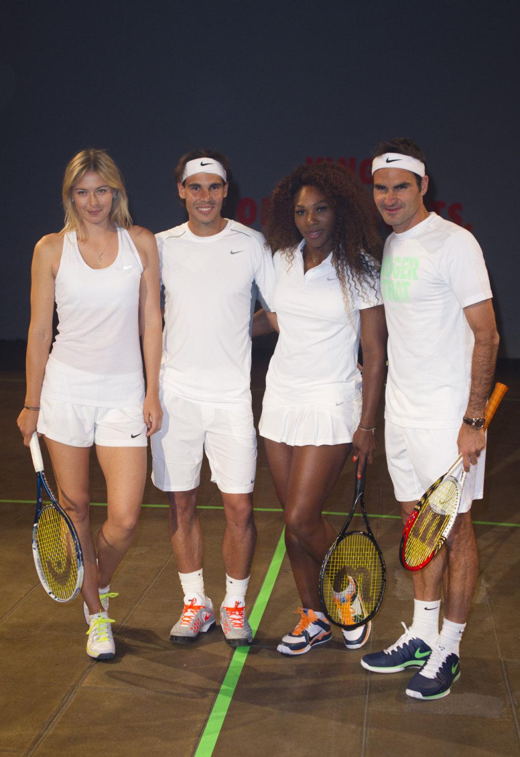 ¿Cuánto mide Serena Williams? - Altura - Real height Maria-Sharapova---Nike-Night-Tennis-mixed-doubles-presentation-in-Malakoff--03