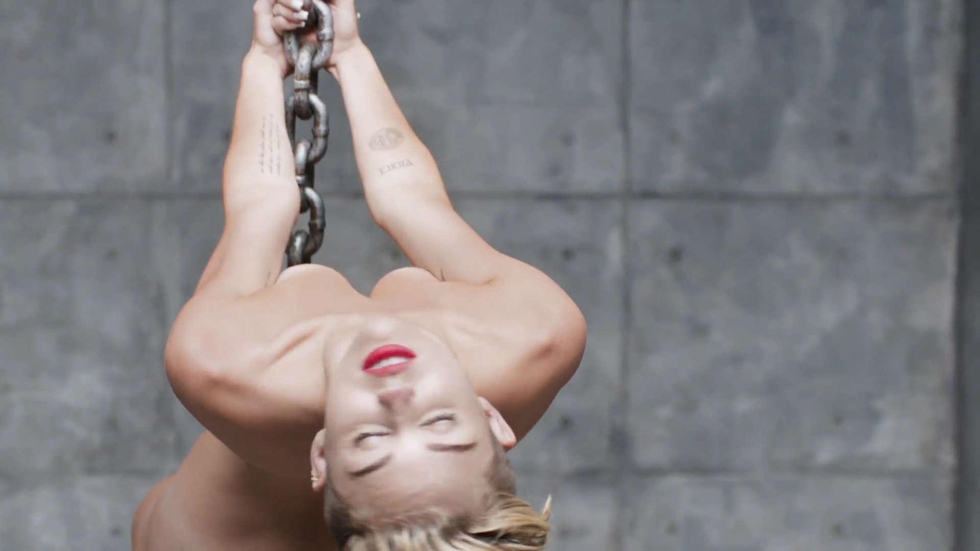 #Game » Califica Mi Cuerpaxo Miley-Cyrus-Wrecking-Ball-Video-Stills-06
