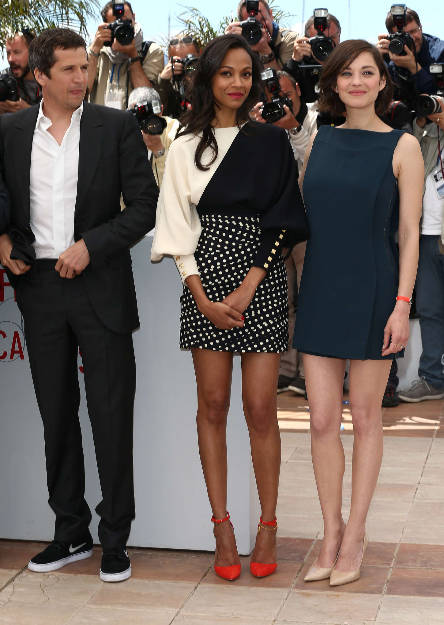 ¿Cuánto mide Marion Cotillard? - Real height Zoe-Saldana-and-Marion-Cotillard-at-Blood-Ties-Photocall-at-the-66th-Cannes-Film-Festival-16