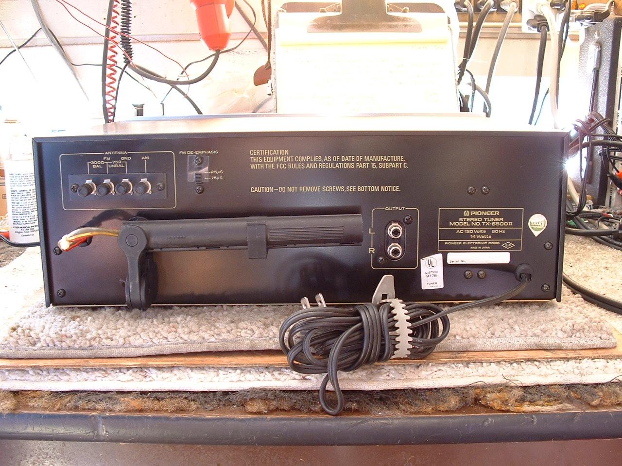 Sintonizador no muy caro? Pioneer%20TX-6500ll%20AM-FM%20tuner%20004