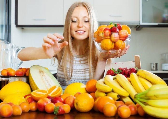 Ultimos Avances en Ciencia y Salud - Página 26 Comer-frutas-en-exceso-puede-perjudicar-nuestra-salud-696x491