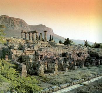 فى اليونان /  كورينثوس.. مدخل العالم إلى شبه جزيرة البيلوبونيز الخصبة Temple-apollo-acrocorinth