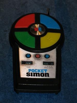 [Nostalgie] Jeux et jouets de votre enfance - Page 2 Jeu_electronique_simon