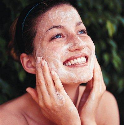 Ogni pelle ha il suo scrub Scrub-per-il-viso-fatti-in-casa