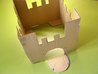 Castillo de fantasía con cajas de cartón, manualidad infantil Manualidades_castillo_carton_3