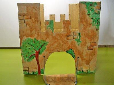 Castillo de fantasía con cajas de cartón, manualidad infantil Manualidades_castillo_carton_4