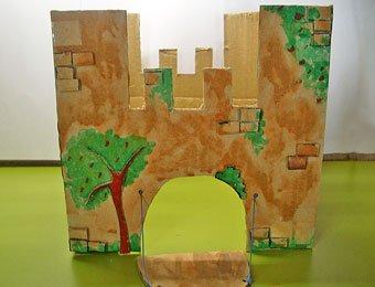 Castillo de fantasía con cajas de cartón, manualidad infantil Manualidades_castillo_carton_p