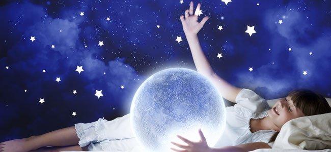 Bienvenidos al nuevo foro de apoyo a Noe #319 / 07.05.16 ~ 17.05.16 - Página 3 Nina-suena-cama-luna-estrellas-p