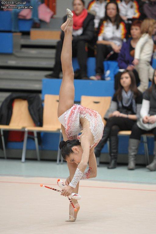 Aliya Assymova Rsg-schmiden2011-0342
