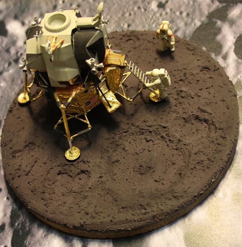 Base für Mondlandungsmodelle Moon52