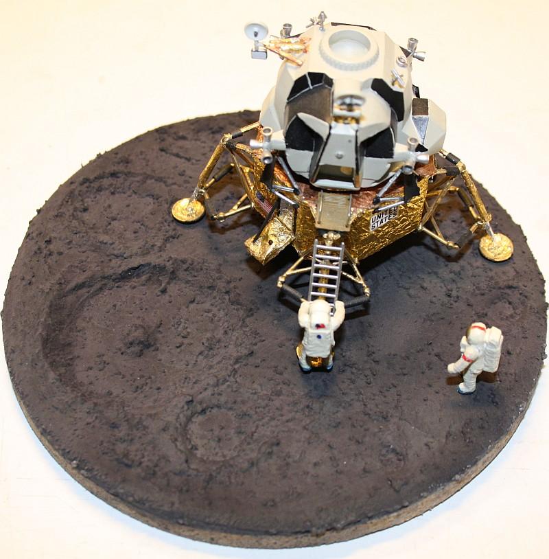 Base für Mondlandungsmodelle Moon53