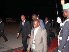 Le Président Martelly accueilli chaleureusement à Kinshasa G-6883