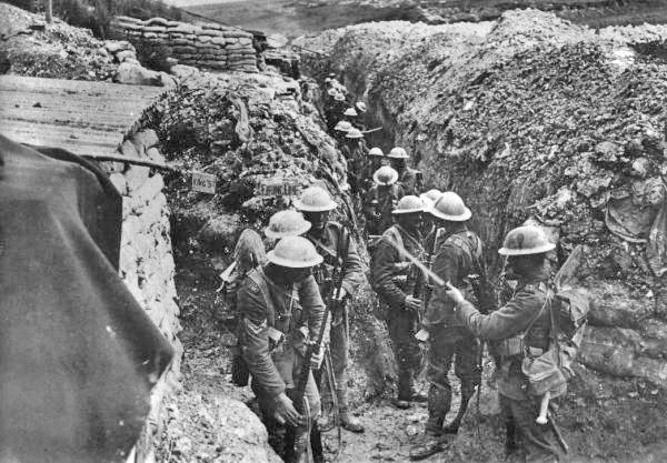 Primeira Guerra Mundial Lancashire_fusiliers_trench_beaumont_hamel_1916
