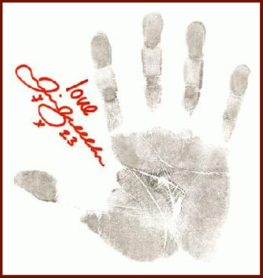 Sex diferences evidence David-beckham-handprint-full