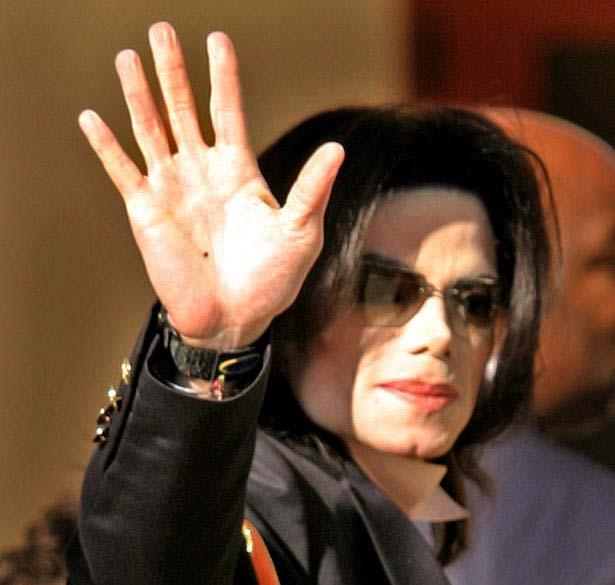 Le mani di Mike *-* Michael-jackson-right-hand-5