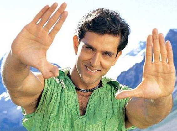 HRITHIK ROSHAN'S HANDS - About the double thumb of his right hand, now at Madame Tussauds! Hrithik-roshan-double-thumbs-open-hands