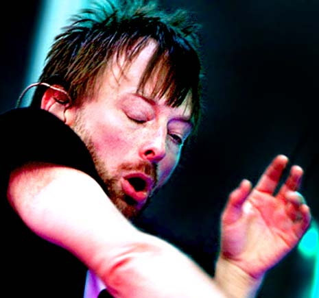 FAMOUS SIMIAN LINES - Which famous persons have a 'simian line'? Thom-yorke-left-hand-short-heart-line