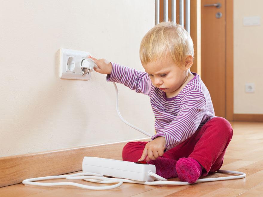 الحوادث المنزلية Vancouver-handyman-baby-proofing-home