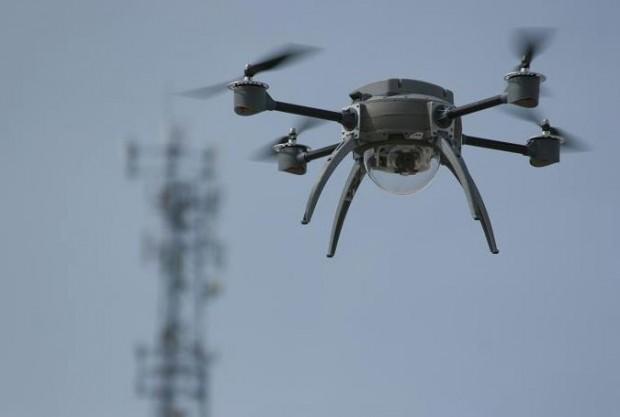 Les impressions visuelles sur les OVNI, les vidéos, les photos et les faits Domestic-armed-drone