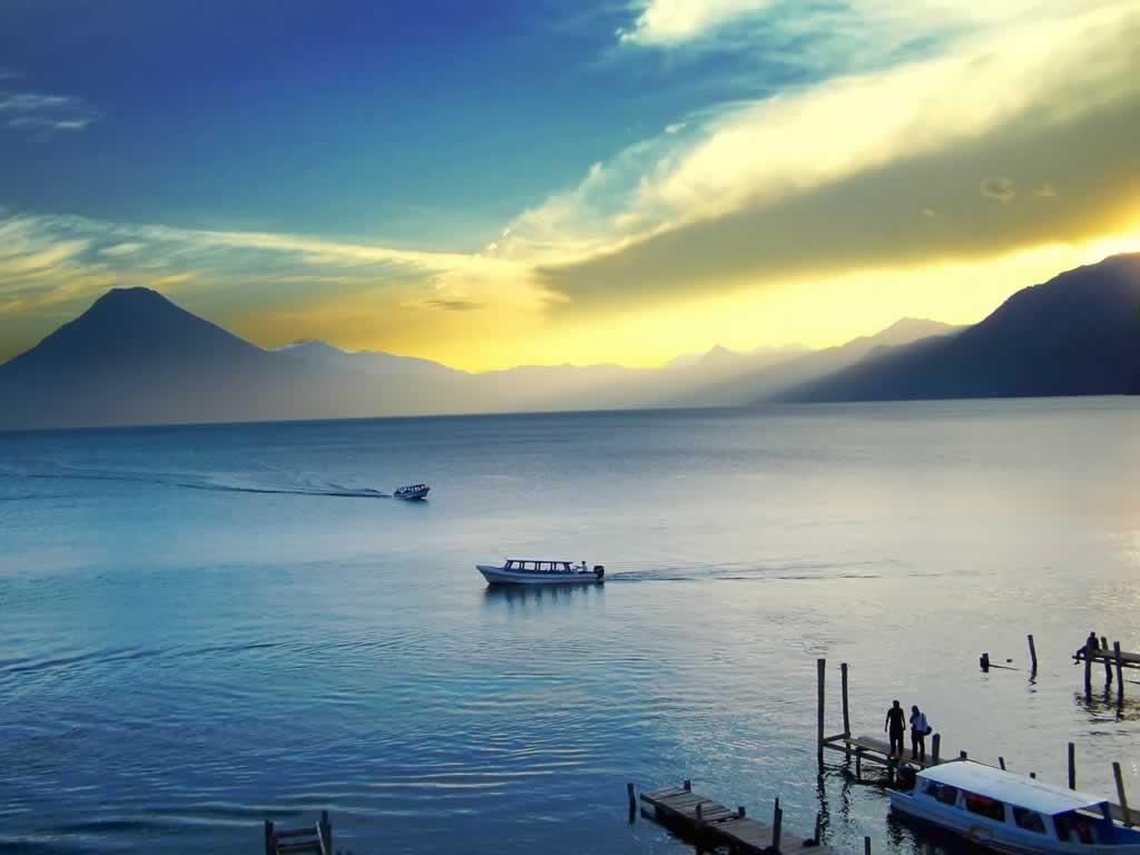 El lago Atilan Lake-Atitlan-Guatemala