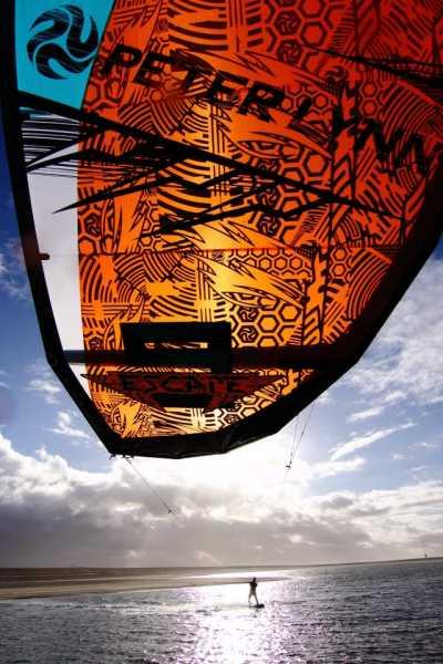 Nouvelle Peter Lynn Escape 2013 - Kite Polyvalent il y a 48  17637_10151393165232906_1866935170_n