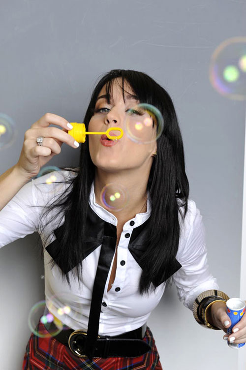 [EGUAGLIATO] Katy Perry eguaglierà un record di Michael? - Pagina 4 Katy_perry80917001
