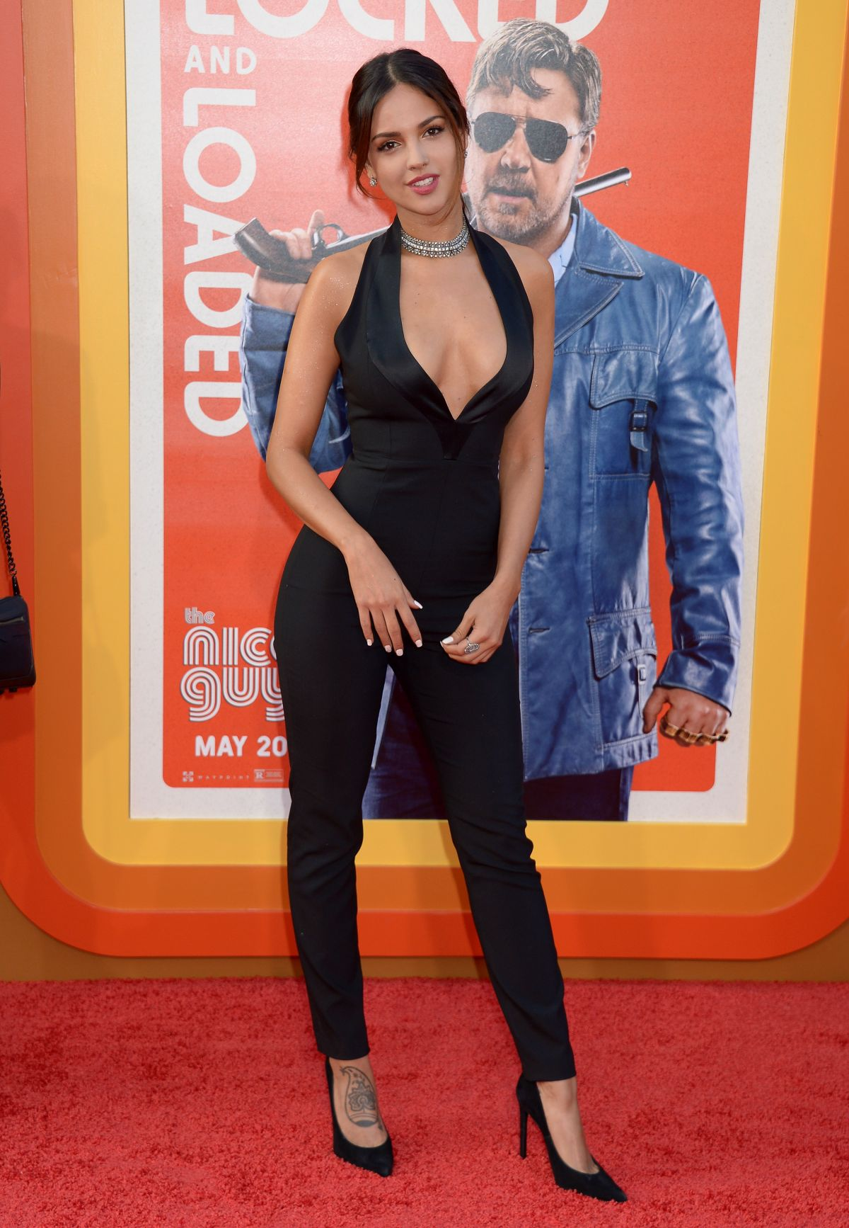 ¿Cuánto mide Eiza González? - Real height Eiza-gonzalez-at-the-nice-guys-premiere-in-hollywood-05-10-2016-draft_7