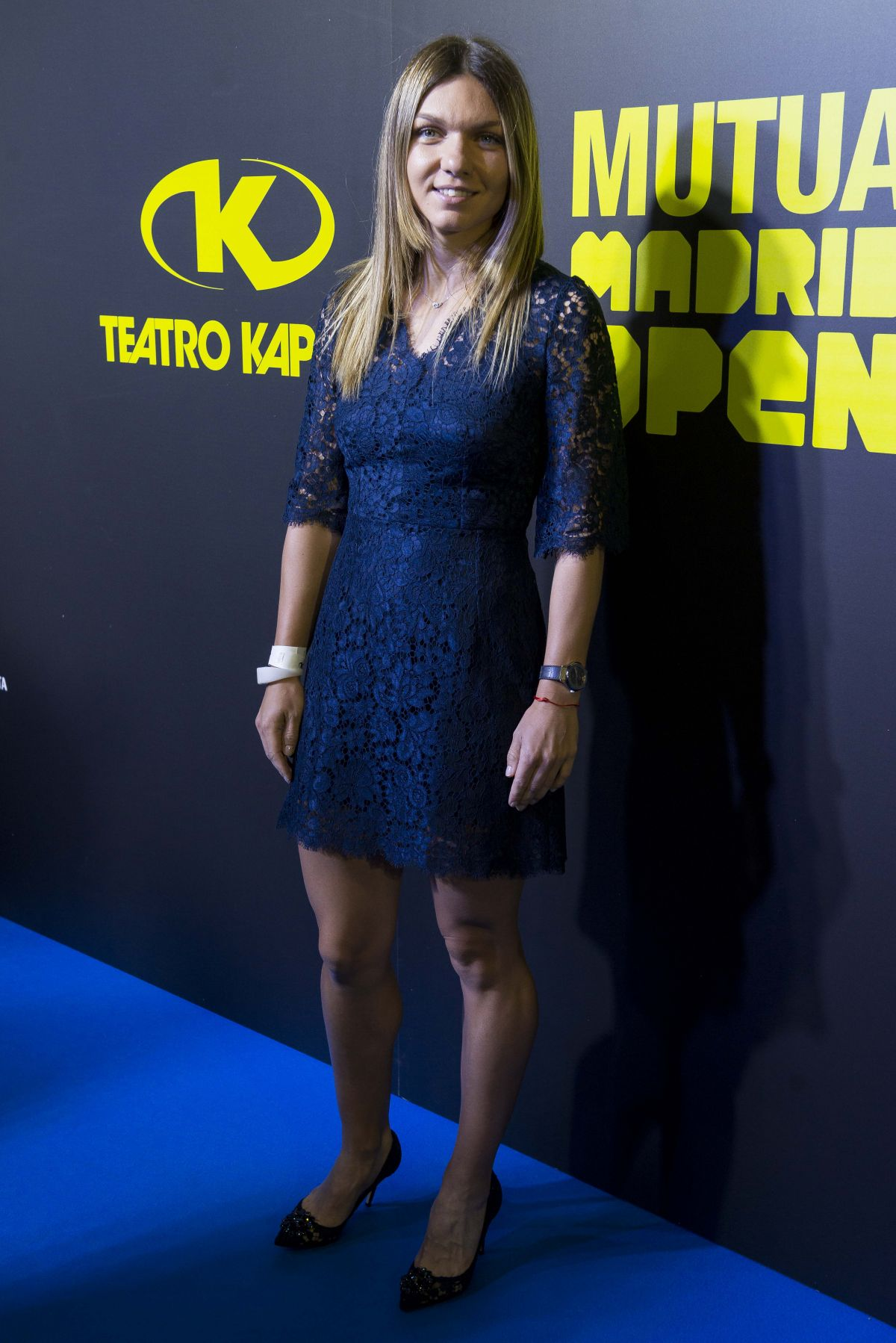 Simona Halep - Page 17 Simona-halep-at-mutua-madrid-open-party-in-madrid-05-05-2017_2