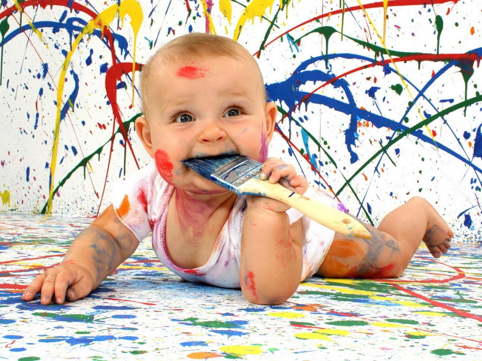 Cảm Cười...chơi - Page 41 Cute_Funny_Baby_with_Painting_Color_HD_Wallpaper