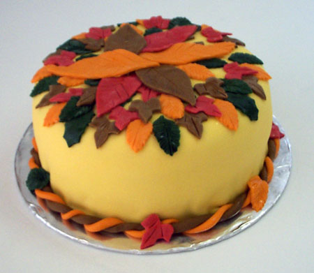 أحلى عيد لأغلى مموشة  Autumn%20leaves%20cake