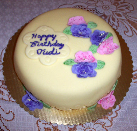 حوار من القلب Birthday%20Cake%20For%20Mother