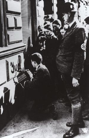 La Shoah : Aux origines du génocide par André Larané (Hérodote.net) Anschluss_Jude