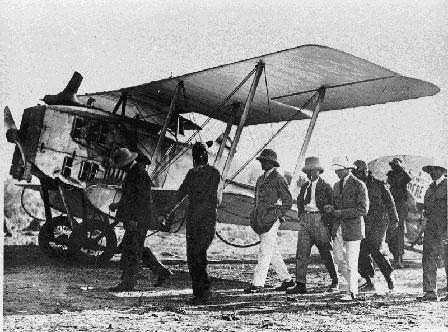 L'Aéropostale relie la France au Sénégal Avion_Dakar1925