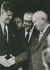John Fitzgerald Kennedy (1917 - 1963) Un président de rêve KennedyKhrouchtchev