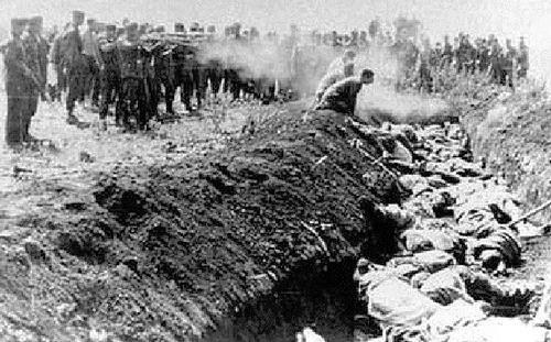 La Shoah : Aux origines du génocide par André Larané (Hérodote.net) Einsatzgruppen_Kraigonev