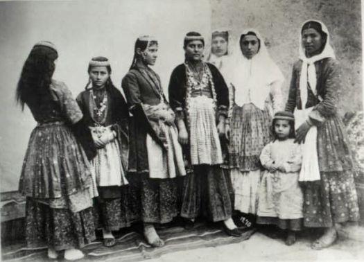 Un fil de discussion en mémoire du génocide arménien chrétien Armeniennes
