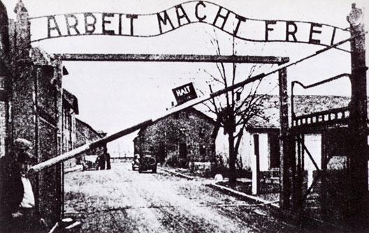 La Shoah : Aux origines du génocide par André Larané (Hérodote.net) Auschwitz-portail