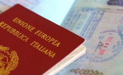 إيطاليا ترفض نصف طلبات المغاربة الراغبين في جنسيتها Italian%20passport