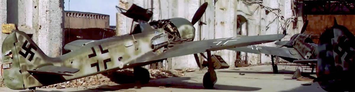 Luftwaffe 46 et autres projets de l'axe à toutes les échelles(Bf 109 G10 erla luft46). - Page 19 Color_Film_Fw_190_A-8WNr739xxx_May_1945_Ago_Factory_01