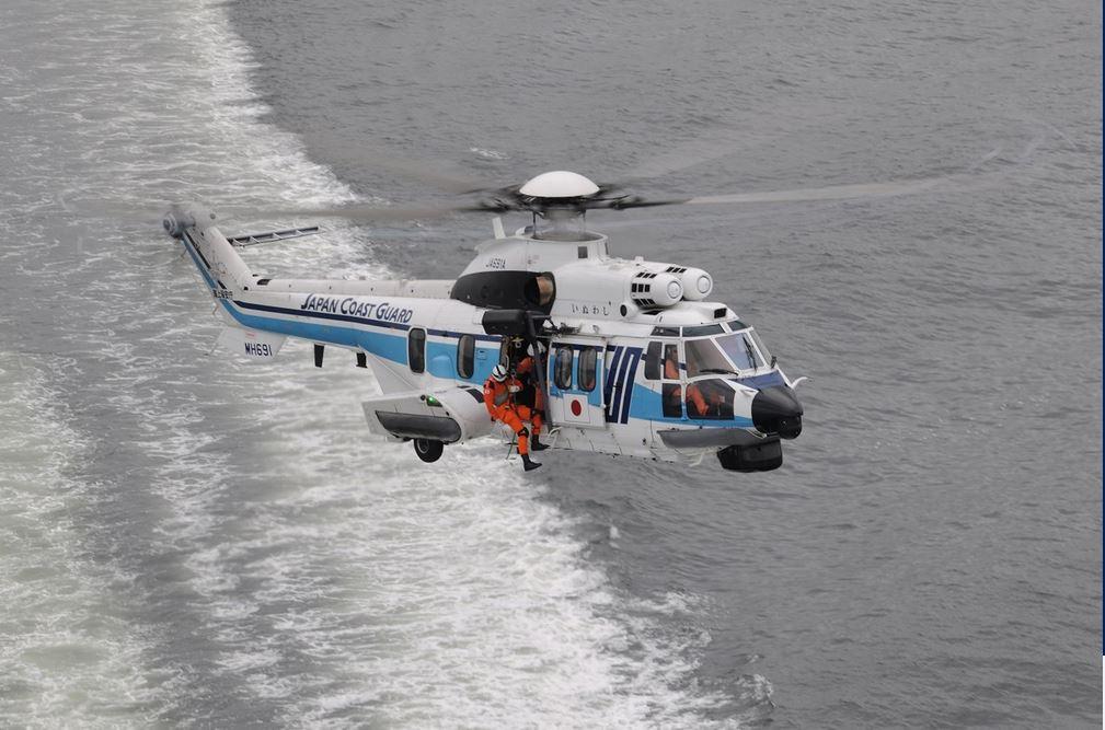 Eurocopter AS332 Super Puma (helicóptero utilitario de tamaño medio Francia) JAP-h225