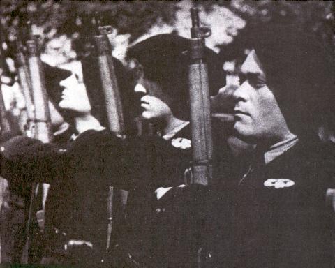 Quid de l'armement français (resté en France) durant l'occupation, stocké, utilisé, détruit? - Page 2 Chasse2
