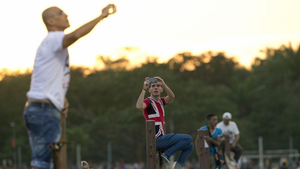 Χιλιάδες Κουβανοί χόρεψαν στους ρυθμούς των Rolling Stones στη συναυλία που έδωσε το θρυλικό ροκ συγκρότημα στην Αβάνα. Rolling.stones.cuba_.7