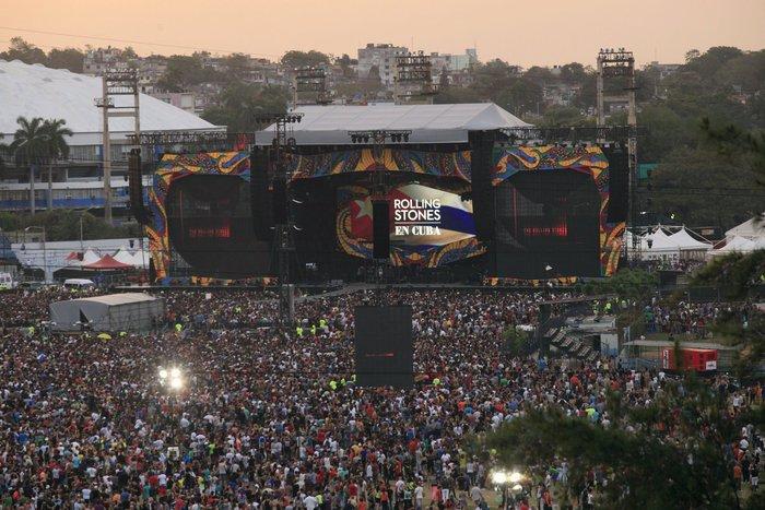 Χιλιάδες Κουβανοί χόρεψαν στους ρυθμούς των Rolling Stones στη συναυλία που έδωσε το θρυλικό ροκ συγκρότημα στην Αβάνα. Upl56f64464338f6