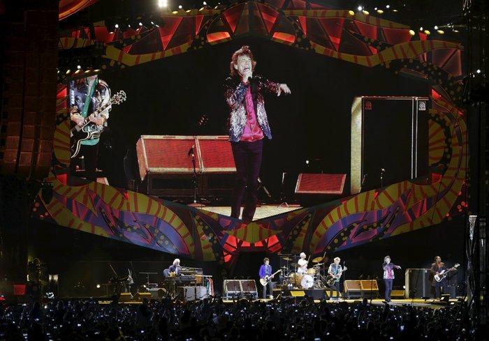Χιλιάδες Κουβανοί χόρεψαν στους ρυθμούς των Rolling Stones στη συναυλία που έδωσε το θρυλικό ροκ συγκρότημα στην Αβάνα. Upl56f64487a98fa