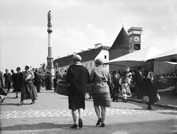 Povijest grada Zagreba - Page 3 18_Kaptolski_trg_Bakaceva
