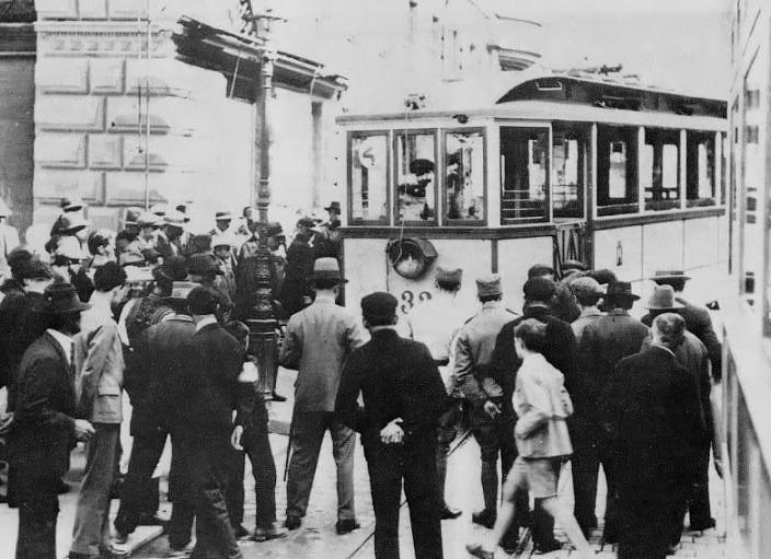 Povijest grada Zagreba - Page 3 20_Jelacic_Bakaceva_1912