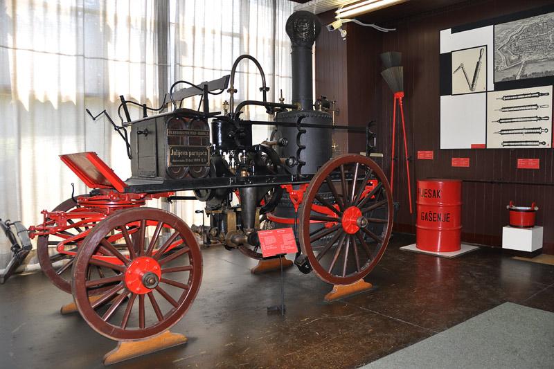 Tehnički muzej - Page 2 3_1889-parna-vatrogasna_pumpa