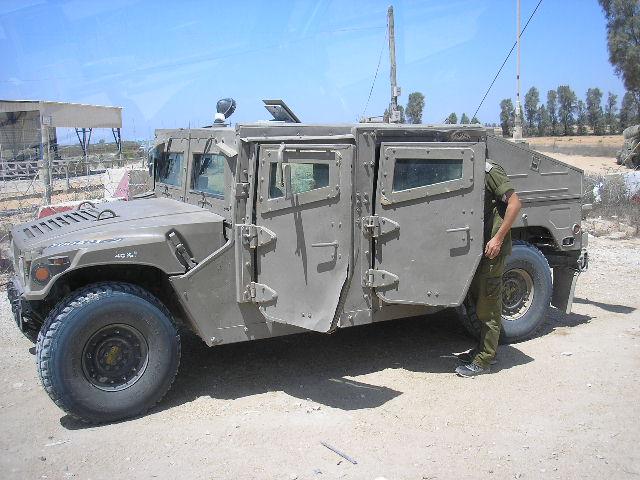 خبر رائع مصر تقوم بتصنيع صواريخ تاو  TOW المضادة الدبابات محليا - صفحة 3 00274