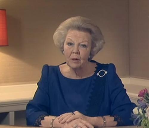La reina Beatrix y su familia - Página 28 Reina-holanda-discurso1-z