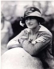 Coco Chanel - Página 7 80312-cocochanel-biografia-1